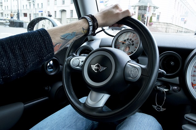 Kompendium wiedzy o obowiązkowym wyposażeniu samochodu?